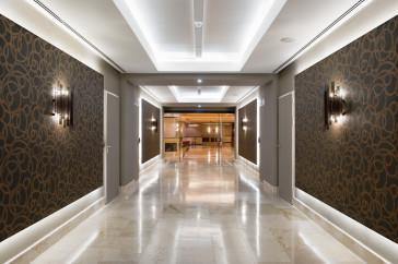 Galerías en el Hotel Meliá Castilla. Madrid